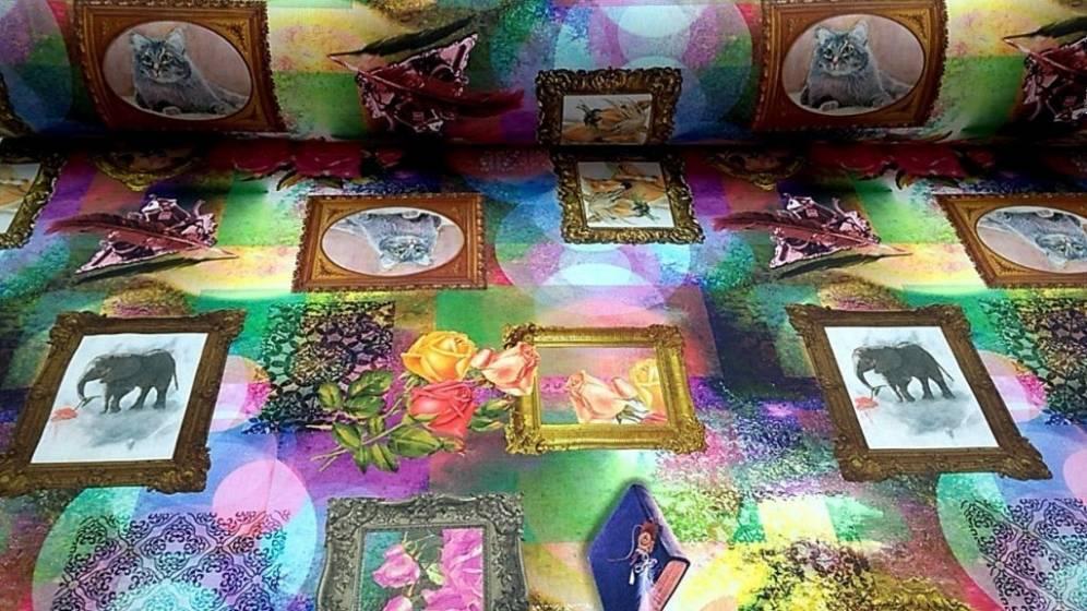 Tessuto per arredo fantasia quadri con animali - multicolor