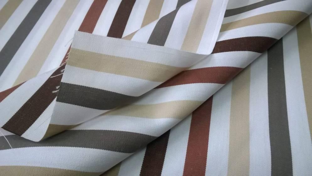 Tessuto arredo da esterno motivo a righe colorate2