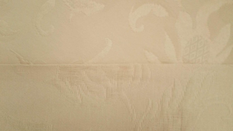 Tessuto per arredo motivo damascato classico - beige2