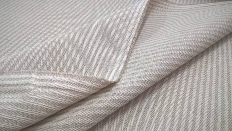 Tessuto per arredo e rivestimento motivo a righe3
