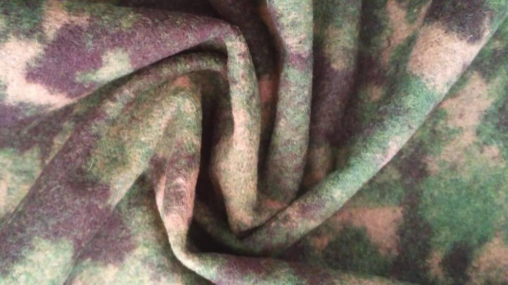 Tessuto in lana a fantasia mimetica