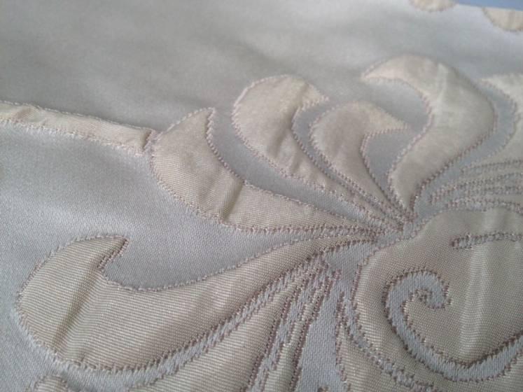 Tessuto per arredo e tendaggio motivo damascato - varianti colori.