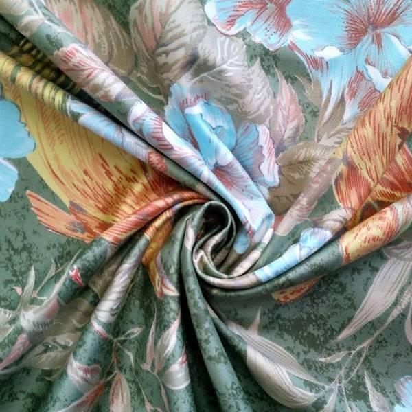 Tessuto arredo in stile rococò fantasia a fiori e volatili - verde antico