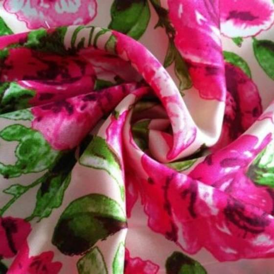 Tessuto per abbigliamento  in raso a fantasia floreale colori accesi - bianco fucsia e verde