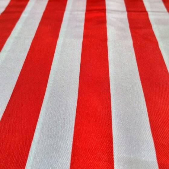 Tessuto raso stampato a righe rosse e bianche