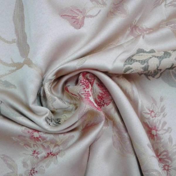 Tessuto arredo classico motivo floreale rosso e verde - sfondo avorio