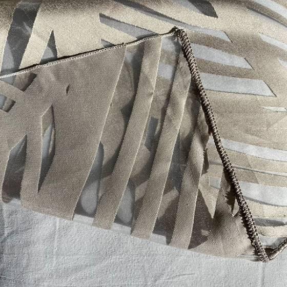 Tessuto per tendaggio semitrasparente con foglie astratte2