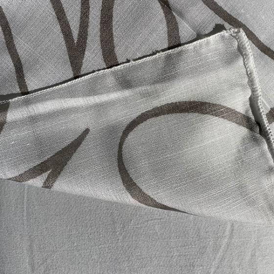 Tessuto per tendaggio con motivo linee ondulate1