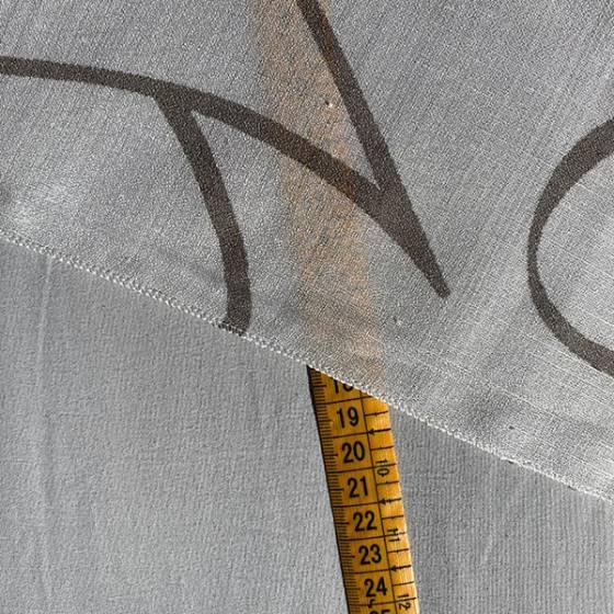 Tessuto per tendaggio con motivo linee ondulate2