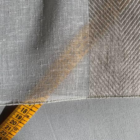 Tessuto per tendaggio a righe orizzontali ricamate1