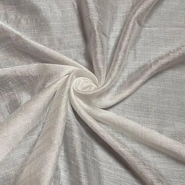 Tessuto per tendaggio finemente ricamato in seta