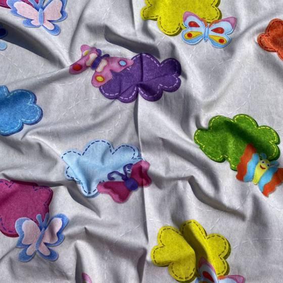 Tessuto per tendaggi fantasia per bambini nuvole e farfalle