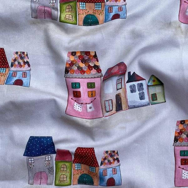 Tessuto per tendaggio fantasia casette per bambini