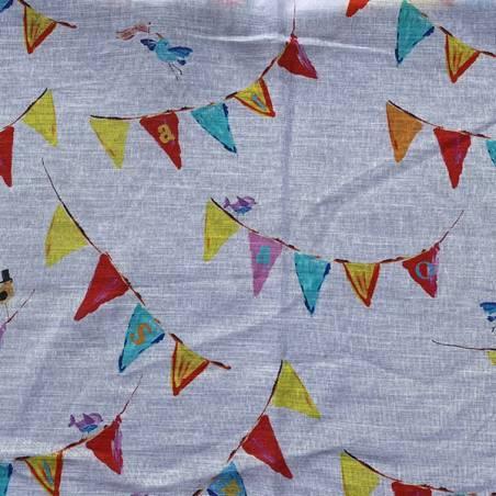 Tessuto per tendaggio con bandierine e uccellini per camerette bimbi 1