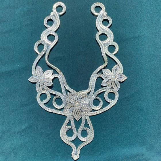 Decorazione floreale con diamanti per scollature abiti