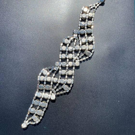 Applicazione per abiti eleganti a catena di strass