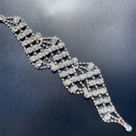 Applicazione per abiti eleganti a catena di strass.