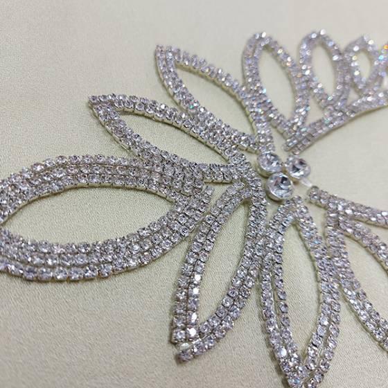 Decorazione per abbigliamento termoadesivo con diamanti